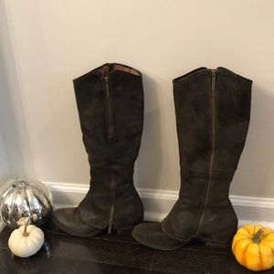 🌟Donald J. Pilner Devi 3 Olive Boot